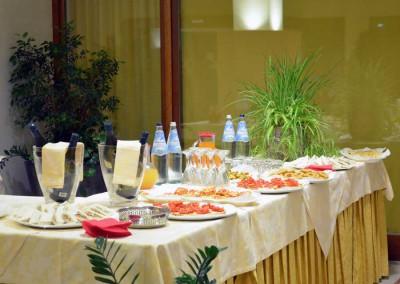 crystal-tavolo-buffet